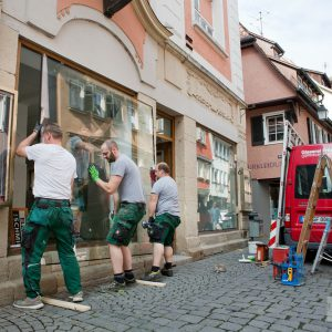 Isolierschutz-Glas die Schaufensterfront am Löwen-Laden. Tübingen 2015. Foto: Martin Schreier / www.schreier.co